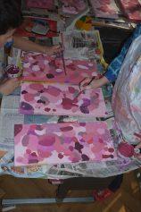 MERCI BIEN MERCI, ateliers ouverts Arnex-Sur-Orbe, 2015 Un village, 167 maisons, un charpentier, 85 enfants, 167 balançoires, une journée.