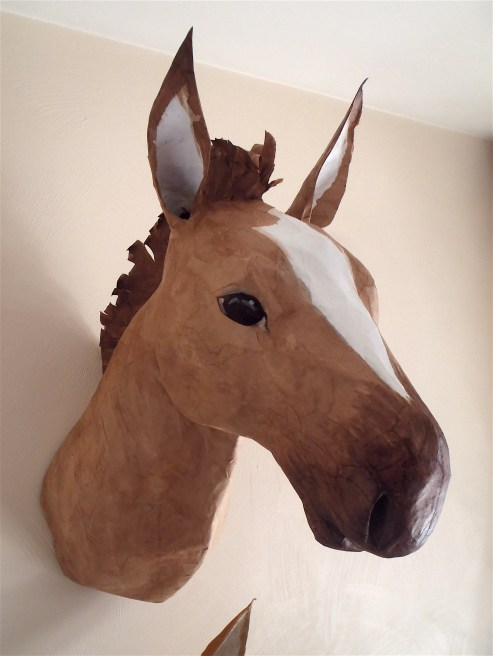 cheval en papier