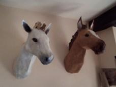 chevaux muraux papier maché