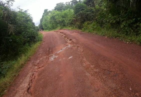 Apesar do repasse dos recursos federais, estradas vicinais estão intrafegáveis em Santa Rita.