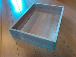 ベースの木箱完成。