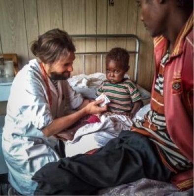 Dr Iñaki Alegria: en el Hospital Rural de Gambo estamos creando la primera UCI Neonatal de la región colabora cooperacion dona dr alegria etiopia gambo gambo gambo rural hospital teaming