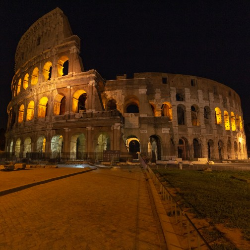Night views of Colosseo