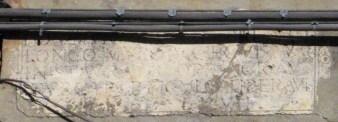 Epigrafe marmorea del 1567 prima del restauro.