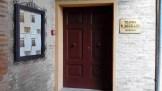 Portone di ingresso principale del Tetro B. Mugellini dopo il restauto di Luigi Migliorelli. Foto Simona Ciasca Ufficio Economato.