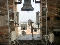 Interno della cella campanaria della torre civica.