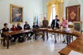 José Alberto Caruso Dottori mentre legge il suo intervento.18 maggio 2016 donazione quadro di Luis Dottori al Comune di Potenza Picena. Foto di Sergio Ceccotti.