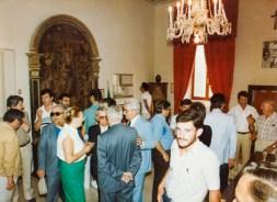 La tavola di Bernardino di Mariotto all'interno della sala del Consiglio Comunale nel Palazzo Municipale. Foto Bruno Grandinetti. Archivio Storico Comunale.