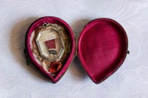 Reliquiario con un frammento del Velo della Beata Vergine - Monastero Benedettine di Santa Caterina in San Sisto a Potenza Picena - Foto Sergio Ceccotti.