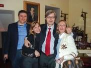 """Visita di Vittorio Sgarbi a Potenza Picena il 14 Aprile 2007. Nel foyer del Teatro """"B. Mugellini"""". Foto di Nico Coppari."""