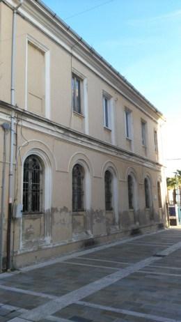 Palazzina della Delegazione Comunale lato traversa Torresi. Foto di Michele Emili.