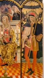 San Rocco nel particolare del trittico di Paolo Bontulli da Percanestro del 1507. Madonna con Bambino tra i santi Giacomo Maggiore e Rocco. Foto di Sergio Ceccotti.