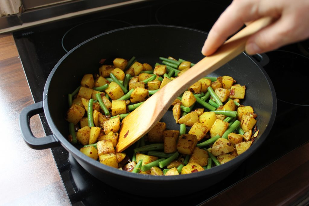 bean potato curry recipe plant-based