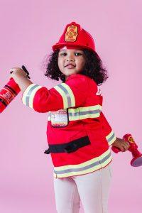 enfant déguisé en pompier