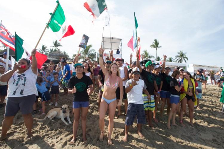 Los espectadores locales aplauden a los corredores mexicanos quienes demostraron un gran desempeño. Foto: ISA/Bielmann