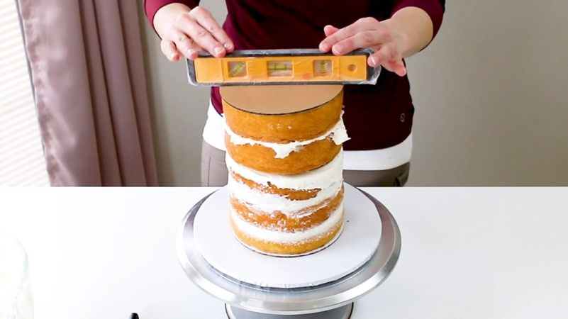 Check level of cake