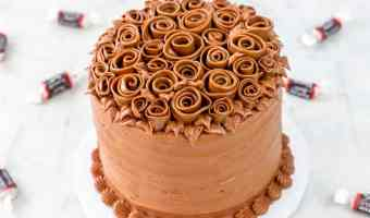 Tootsie Roll Ribbon Rose Cake