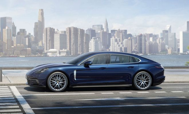 2017-Porsche-Panamera-4S-Executive-profile