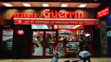Buenos Aires Pizzeria Guerrin night