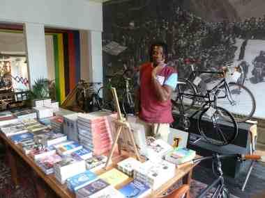 Tour de France -Lola cafe