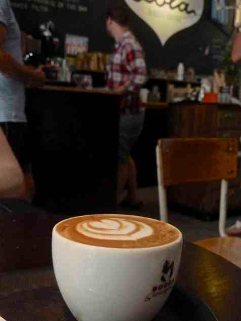 flat white -Lola cafe