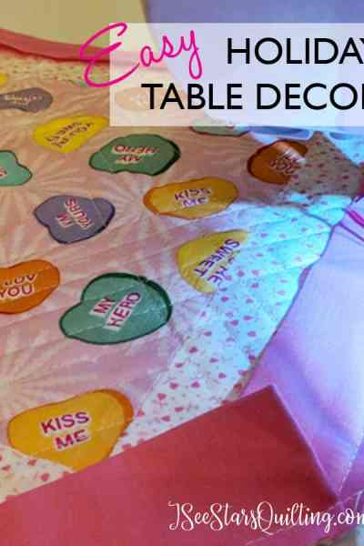 This is such a cute and easy quilting project to spice up the holiday table! Can totally DIY this sewing project in one evening - AND all from Fabric scraps! www.iseestarsquilting.com So easy to make for gifts too!