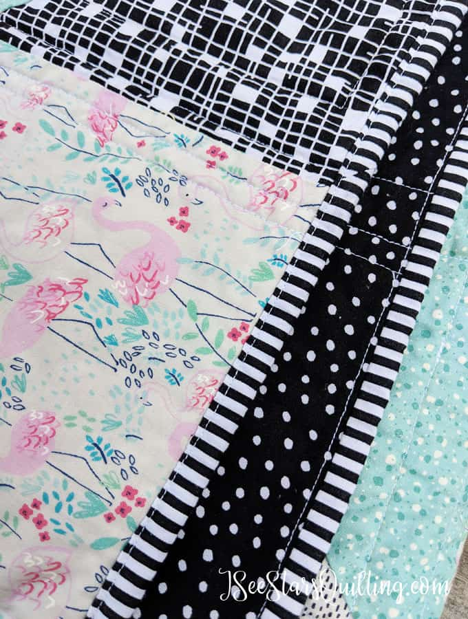 This sweet baby quilt pattern is a FREE download that I designed to be easy fro all levels of quilting! Just look at this sweet flamingo print! Its adorable! Did I mention the FREE pattern? ;) Check it out, download it and save it for later!