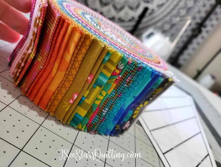 Check out the DIY Floor Pillow that I made in an afternoon! It is so quilty and fabulous! This was such a fun project to work on - see how I did it!