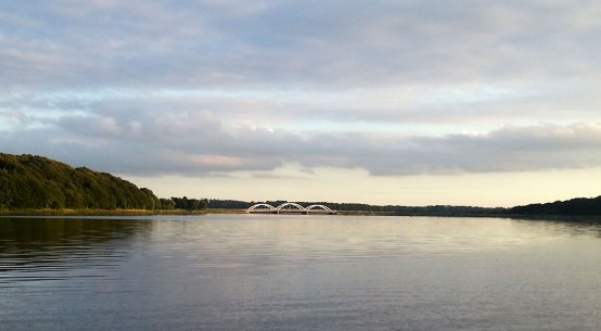Bramsnæs Bugt - Munkholmbroen. Isefjorden.