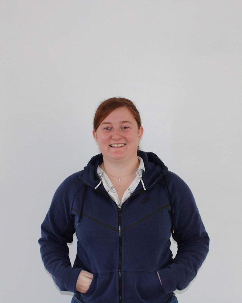 Chloé Lafargue est une diplômée de l'ISEL année 2018, elle s'est investi dans l'association des alumni pour développer le réseau de son école. Elle a alors rejoint l'équipe en tant que secrétaire. En plus de son poste au sein de l'association, elle travaille chez Fleury Michon, sous le poste de Responsable Logistique Industrielle.