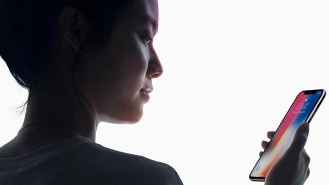 iOS 12 incluiría reconocimiento facial horizontal para el Face ID