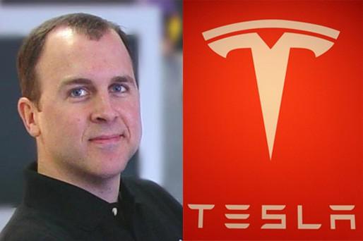 Doug Field trabajará codo con codo con Bob Mansfield en el proyecto Titán