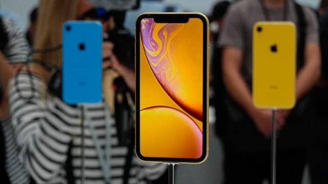 El notch es el culpable de la llegada en octubre a las tiendas del iPhone XR