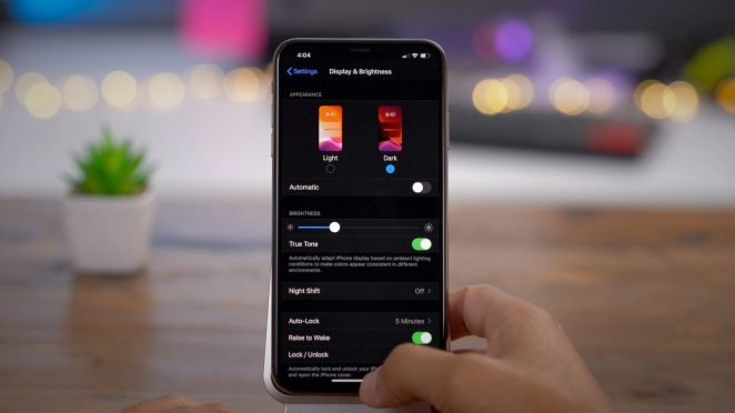 Modo oscuro en iPhone y WhatsApp