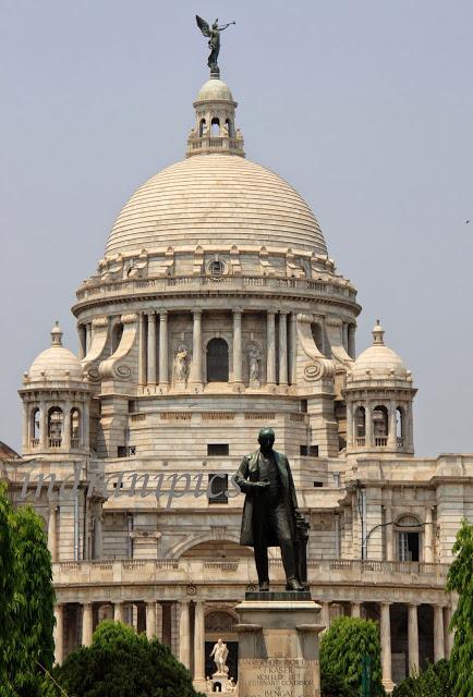 Visit Victoria Memorial Hall statue