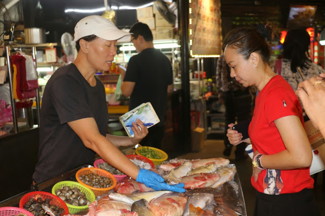 Buyers at Penang street food