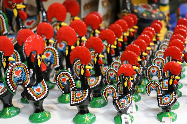 Cock_of_Barcelos_souvenir_Portugal