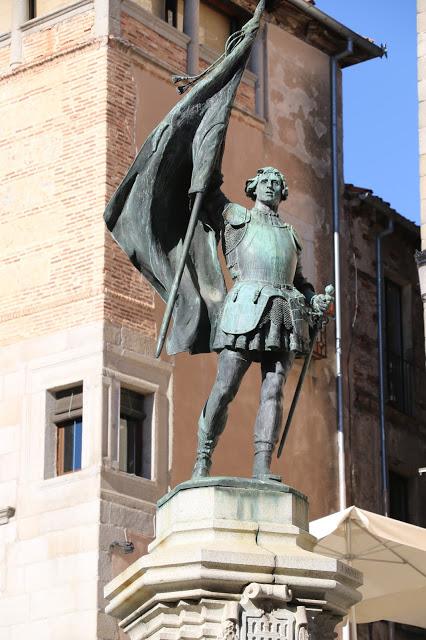 Statue of Juan Bravo Segovia