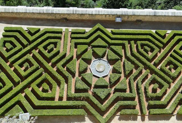 garden-alcazar-of-segovia-indranipics