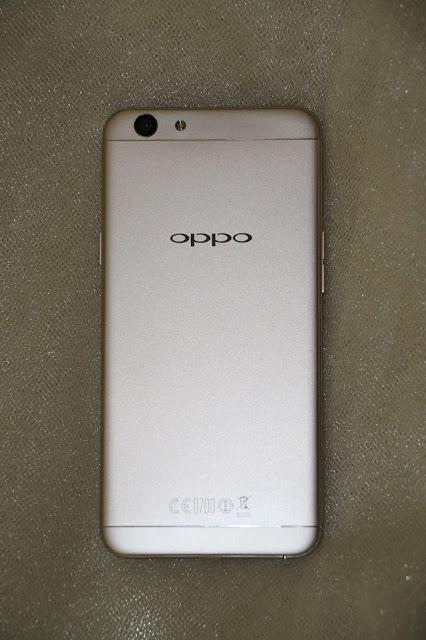 OPPO F1s rear