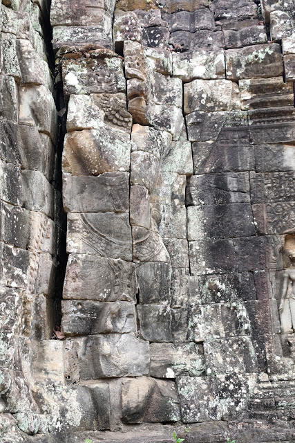 Banteay Kdei entrance Garuda image
