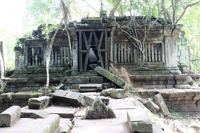 Banteay Kdei temple in ruins