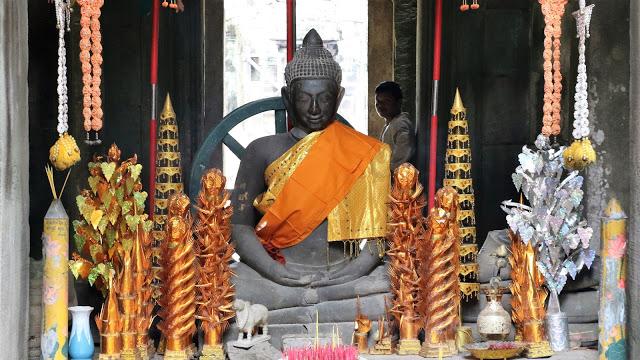 Lord Buddha idol in Banteay Kdei