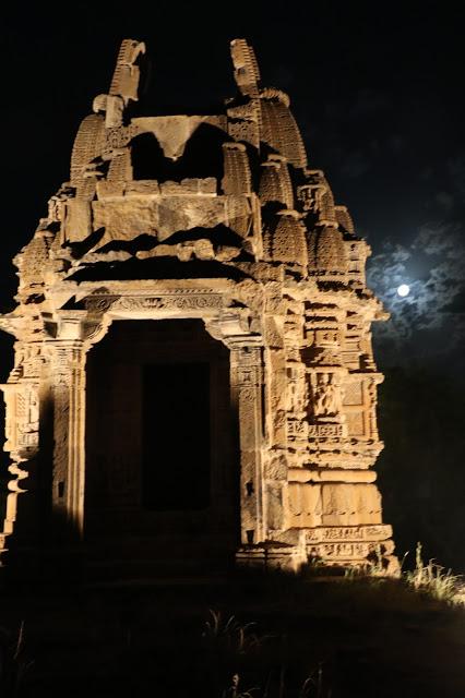 moonlit-kiradu-temple