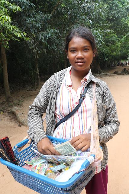 Sales kids at Angkor Temples