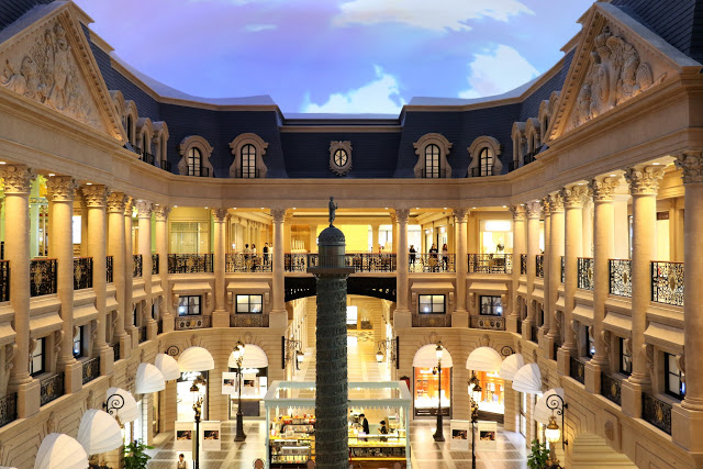 Shopping in The Parisian Macao