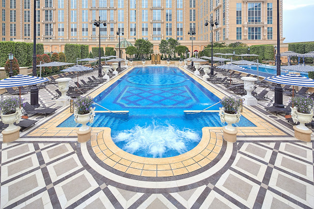 The Parisian Macao pool deck