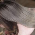 ダメージを抑えて髪を染めたい方へ。カラーによる髪へのダメージを抑える3つの薬剤