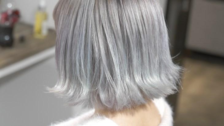 塩基性カラーの残留色素をを専用のリムーバーで消して作るホワイトブリーチカラー