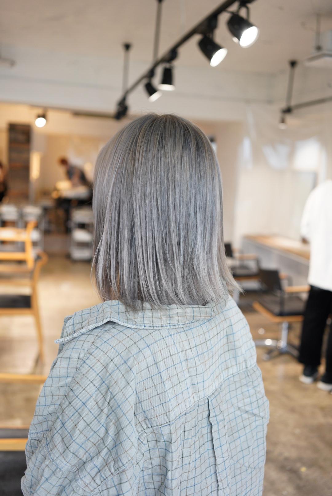 名古屋 ハイトーン ミルクティーグレージュ ブリーチ ケアブリーチ 得意 上手 成人式前撮りカラー